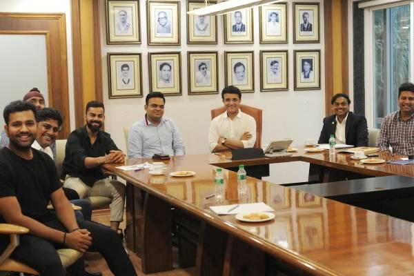 Sourav ganguly met indian captain virat kohli and rohit sharma